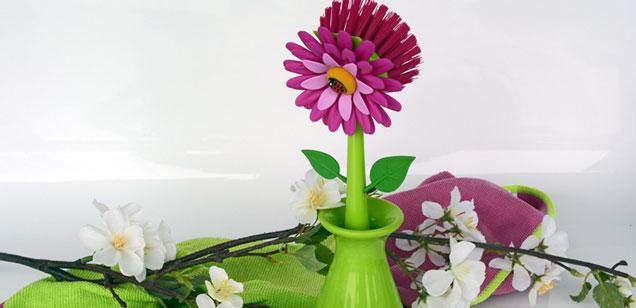 Цветок из щетки
