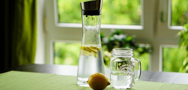 графин с водой
